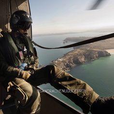 Mecbo de la Flottille 32F survolant la Bretagne [Ref:3210-04-1986] #marinenationale #flottile32F #SA321G #superfrelon #helicopter #bretagne #vol #mecbo