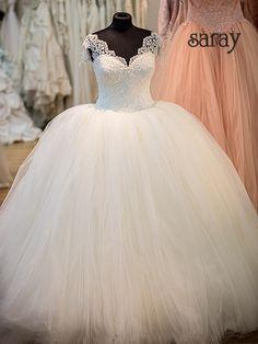 Wallendes Tüllbrautkleid Modell Elisabeth für die Prinzessinbaut