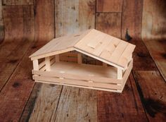 Juguete de madera hecho a mano cubierta estable