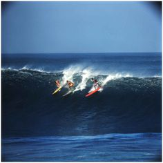 Photographer Leroy Grannis took these beautiful sunny images of life in beachside California, as well as a few shots in Hawaii and Puerto Rico, way back in 1967. These dreamy shots are like postcards from another era and have that blissful, carefree Beach Boys vibe, with bright colourful boards, tans and epic waves. Check out a bunch of the images here and go here to see even more.
