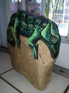 Painted Rock Art /Chameleon / Reptile Painting /Garden stone / Lizards / /Door stop /Book Ends / paper weight/Christmas gift on Etsy