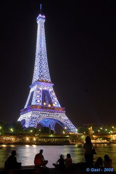 Did you know that every hour, on the hour, after dark, the Eiffel tour has a flashing light show?