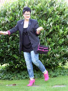 Das magische Mode-Dreieck: Jeans, T-Shirt und Blazer – Party