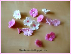 A very easy cherry blossom flower tutorial for a beginner level in gum paste or fondant decorations Sugar Paste Flowers, Icing Flowers, Fondant Flowers, Cake Flowers, Edible Flowers, Fondant Cake Designs, Fondant Decorations, Fondant Cakes, Fondant Recipes