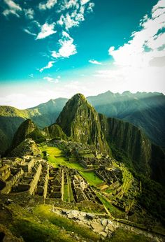 Most Beautiful Places To Visit - Machu Picchu, Peru Machu Picchu, Huayna Picchu, Places To Travel, Places To See, Wonderful Places, Beautiful Places, Amazing Places, Beautiful Buildings, Amazing Things