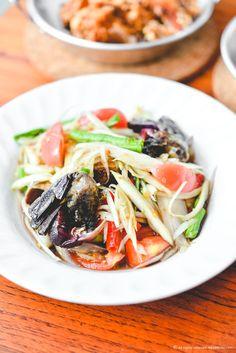 Green papaya salad with crab and pickled fish sauce - Som Tum Poo Pla Ra