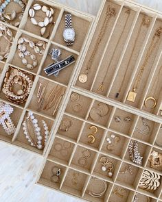 Zimmer Wien How To Save On Remodeling Projects Article Body: From television to magazines to your ne Home Organisation, Closet Organization, Jewelry Organization, Organizing, Jewelry Drawer, Jewellery Storage, Marie Kondo, Wardrobe Design, Beauty Room