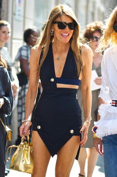 How to Wear a Navy Bodycon Dress looks & outfits) Quirky Fashion, Love Fashion, Womens Fashion, Fashion Design, Fashion Trends, Fashion Fall, Street Fashion, Navy Bodycon Dress, Moda Paris