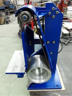 Metal Working Tools, Metal Tools, 2x72 Belt Grinder Plans, Welding Gear, Welding And Fabrication, Metal Shop, Custom Knives, Garage Organization, Diy Tools