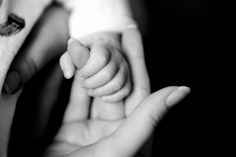 Baby hand - photo by Julien Haler