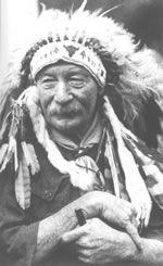 Canadá, año 1935, Baden Powell con 78 años se disfraza de jefe indio