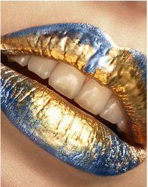 Blue & Gold Lips