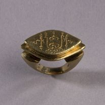 A Pointed Oval Gold Ring, Dieng Style. Central Java 9th - 10th Century SOLD