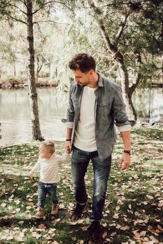 Dad and Mini Fall Fashion 9 reasons to visit Utah in the fall Trendy Fall Outfits, Winter Outfits Men, Casual Outfits, Simple Outfits, Work Outfits, Nice Outfits, Dress Outfits, Dad Outfit, Outfit Ideas