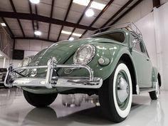 1957 Volkswagen Oval Window Beetle for sale Original Interior - Daniel Schmitt & Co. Volkswagen Bus, Vw Camper, Green Beetle, Beetle For Sale, Porsche 356, Vw Beetles, Dream Cars, Antique Cars, Classic Cars