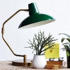 Lampe de bureau rétro www.lereperedesbelettes.com