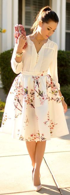 Midi romantic floral skirt, white blouse and pink clutch. Amazing spring look 2015.