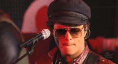 Songs by bruno-mars Bruno Mars Show, Bruno Mars Songs, Prince Of Pop, Baby Squirrel, My Boys, Singers, Musicians, Celebs, Live