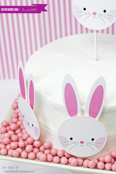 Easy Easter Bunny Cake + Free Printables | Kim Byers, TheCelebrationShoppe.com #EasterCake #wielkanoc #easter