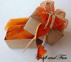 Fai da te le confezioni per i regali di Natale - Tutorial scatolina origami