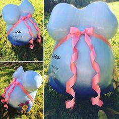 Babybauch Gipsabdruck in Blautönen mit rosa Schleife und Bemalung Pink, Ribbon Work