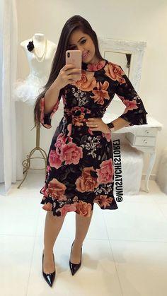 Moda Trend Fashion, Womens Fashion, Modest Fashion, Fashion Dresses, Kaftan Designs, Dress Skirt, Dress Up, Office Outfits, African Dress