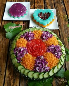 Food Design, Salad Design, Easy Food Art, Creative Food Art, Amazing Food Decoration, Fruit Presentation, Food Garnishes, Garnishing, Food Carving