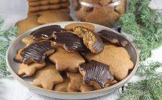 Najlepszy i sprawdzony przepis na pierniczki świąteczne. To moje ulubione pierniki polskie. Są mięciutkie i puszyste a do tego zawsze wychodzą i cudownie smakują. To też najlepsze pierniczki do dekorowania. Pavlova, Gingerbread Cookies, Food, Gingerbread Cupcakes, Essen, Meals, Yemek, Eten