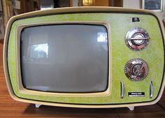 about Vintage Philco Retro Portable TV Green Pop Art Space Age Atomic , Tv Retro, Retro Vintage, Retro Home, Vintage Decor, Tvs, Vintage Television, Television Set, Pop Art, Portable Tv