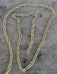Golden Colour 4x3mm Multi-Link Iron Pretzel Chain                                  CC-90099