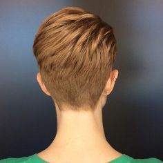 """Gefällt 931 Mal, 9 Kommentare - Hair By Courtney (@courtneyxcentrichair) auf Instagram: """"When I'm cutting pixies I always feel like I'm sculpting. Working with the shape of the head and…"""""""