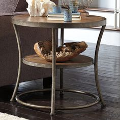 Exceptionnel Signature Design By Ashley Nartina Large End Table