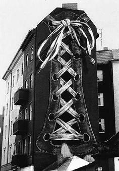 Street art by Gert Neuhaus- Berlin Murals Street Art, 3d Street Art, Amazing Street Art, Street Art Graffiti, Mural Art, Street Artists, Amazing Art, Berlin Graffiti, Graffiti Artists