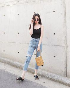 Top korean fashion outfits - All About Korean Fashion Summer Casual, Korean Fashion Trends, Korea Fashion, Ootd Fashion, Asian Fashion, Daily Fashion, Girl Fashion, Fashion Outfits, Fashion Tips