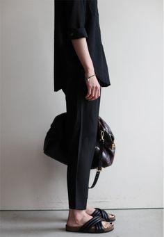 Minimal + Classic: all black, Isabel Marant slides