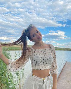 Beautiful Girl Photo, Crop Tops, Celebrities, Instagram Posts, Unicorn, Music, Women, Fashion, Musica