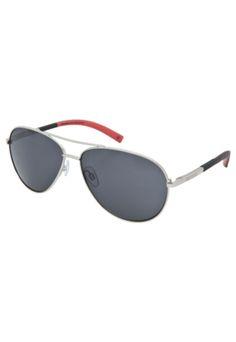 Óculos Solares Pretorian True prata, feito em metal, com armação fechada de  13cm de largura frontal. Apresenta lentes geométricas na cor verde e 100%  de ... 7d72a508a7