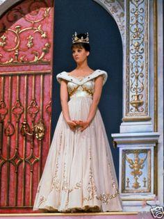 "Lesley Ann Warren as ""Cinderella"""