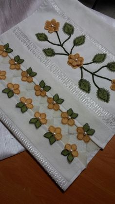 This Pin was discovered by Büş Filet Crochet, Knit Crochet, Crochet Edgings, Embroidery Applique, Embroidery Patterns, Nursery Crafts, Applique Designs, Diy Flowers, Doilies