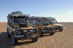 Land Rover Defender and Discovery Camel Trophy Spec's in the Desert