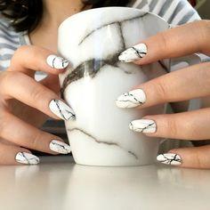 Reusable White Stone Marble Press-On Nails