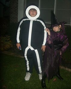 A Fun, Quick and EASY Halloween Costume using Duct Tape. A definite conversation starter.