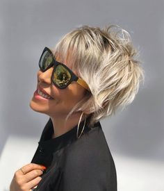 Pictures Of Short Haircuts, Short Haircut Styles, Short Hair With Layers, Short Hair Cuts For Women, Short Cuts, Hairstyles Haircuts, Short Shaggy Hairstyles, Short Trendy Haircuts, Short Blonde Haircuts