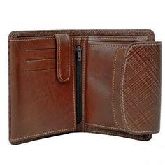 d72365c343 Kožené peňaženky v ponuke sú vhodné darčeky pre manžela či priateľa.