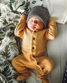 Brand new ✨ PC: Maddy Shoots Photography naissance part naissance bebe faire part felicitation baby boy clothes girl tips So Cute Baby, Cute Baby Clothes, Cute Kids, Cute Babies, Cute Baby Outfits, The Babys, Baby Boy Fashion, Kids Fashion, Cute Baby Pictures