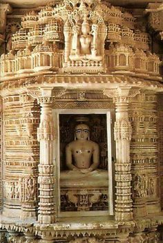 Jain Temples. At Delwara .Rajasthan India Indian Temple Architecture, Religious Architecture, Ancient Architecture, Hindus, Temple Indien, Namaste, Jain Temple, Amazing India, History Of India