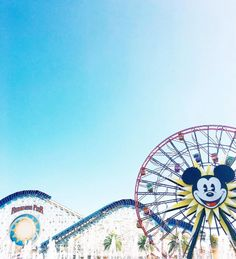We're obsessed with these Disney Parks fans' Instagram accounts   Disneyland + Walt Disney World photography   [ https://style.disney.com/living/2016/07/06/disney-parks-fans-instagram/ ]