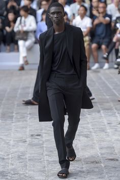 Berluti Spring 2018 Menswear Fashion Show