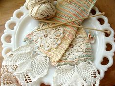 Knitted Scarf with Granny Chicness by itchinstitchin, via Flickr