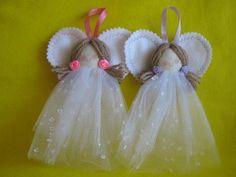 lembranca-batizado-anjo-lembranca-maternidade Fabric Christmas Ornaments, Angel Ornaments, Christmas Angels, Christmas Holidays, Christmas Decorations, Diy Angels, Beaded Angels, Handmade Angels, Angel Crafts